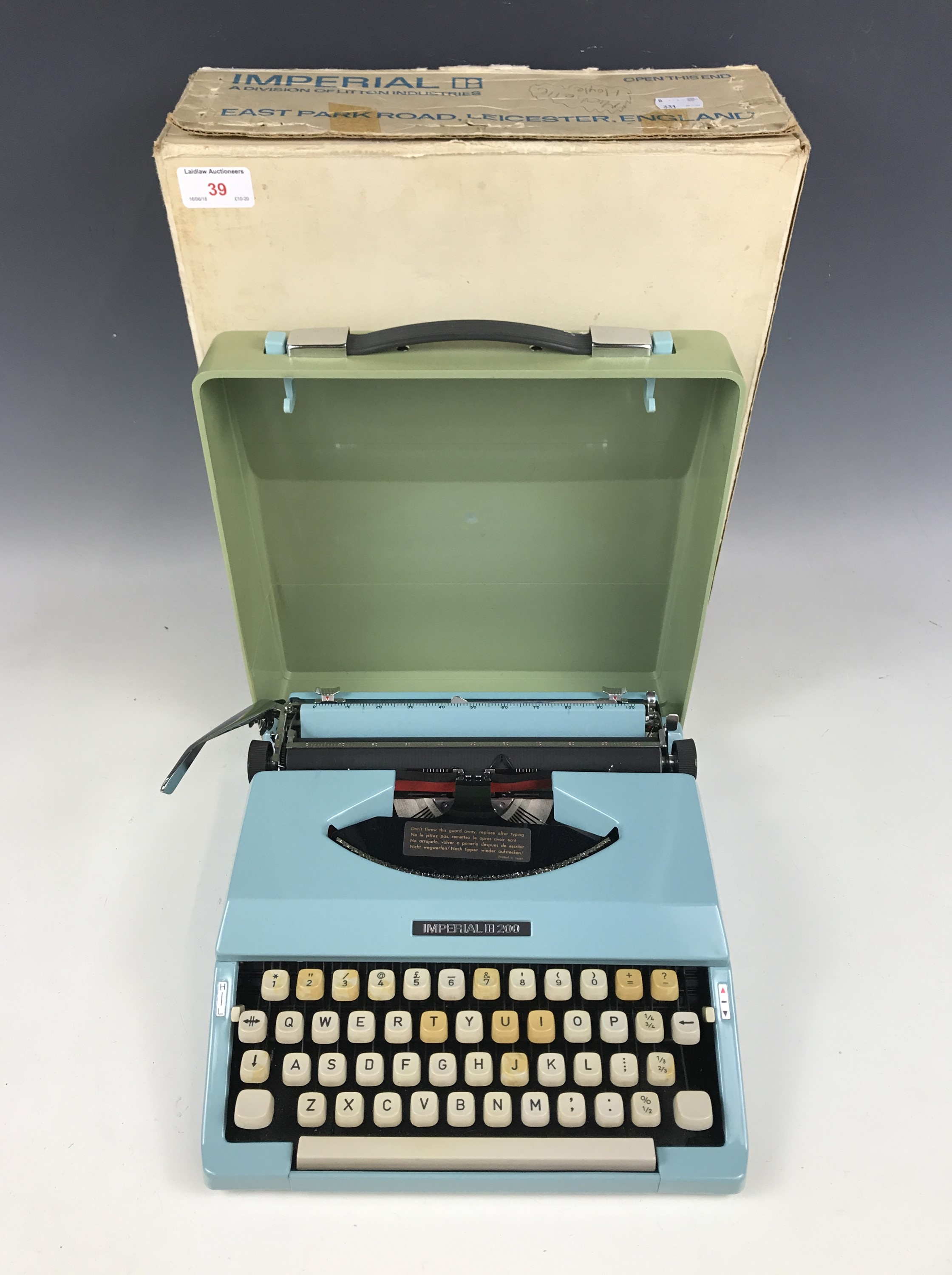 Lot 39 - A vintage Imperial 200 portable typewriter