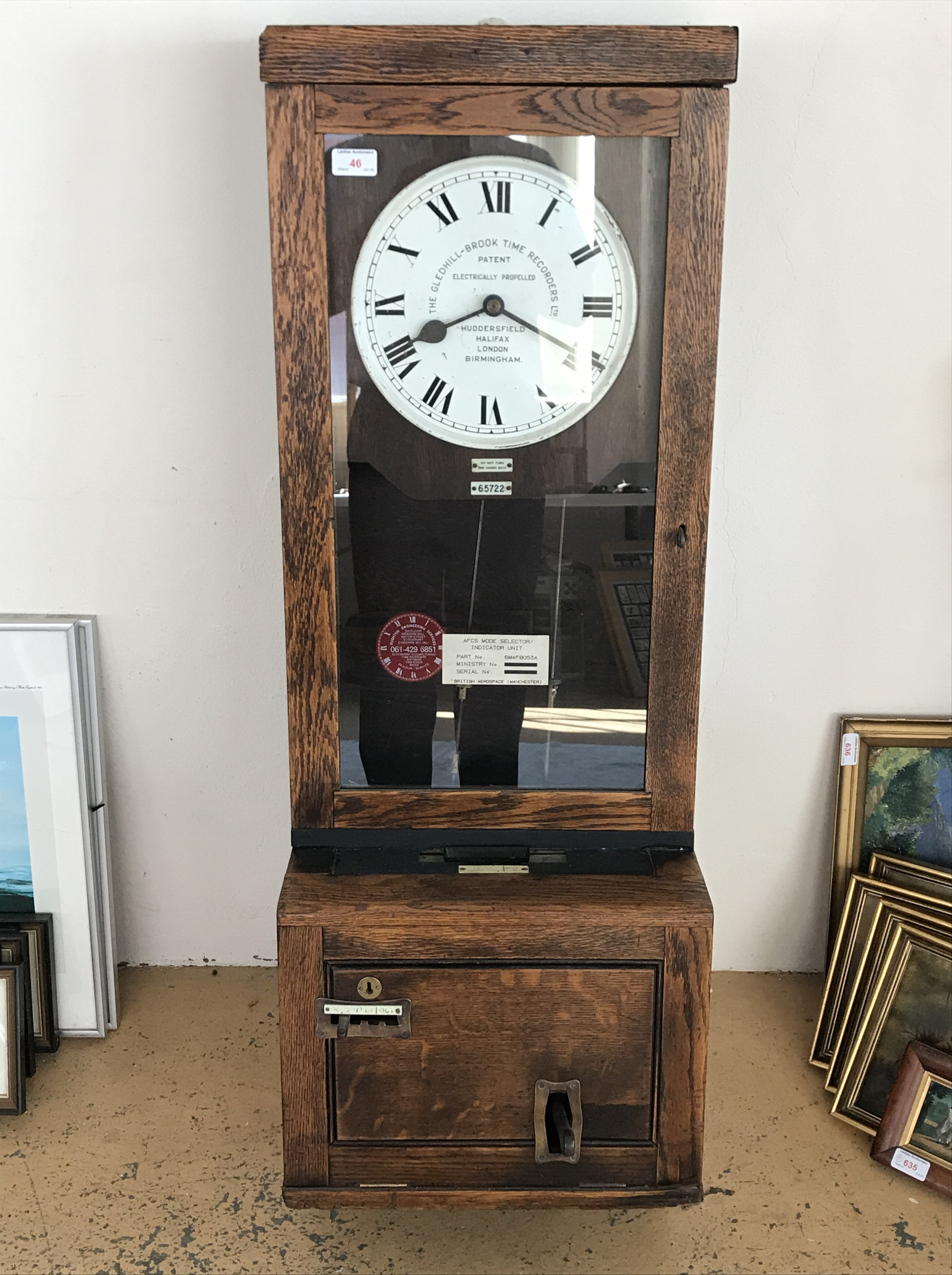 Lot 46 - An early 20th Century Gledhill Brook time recorder / clocking-in clock