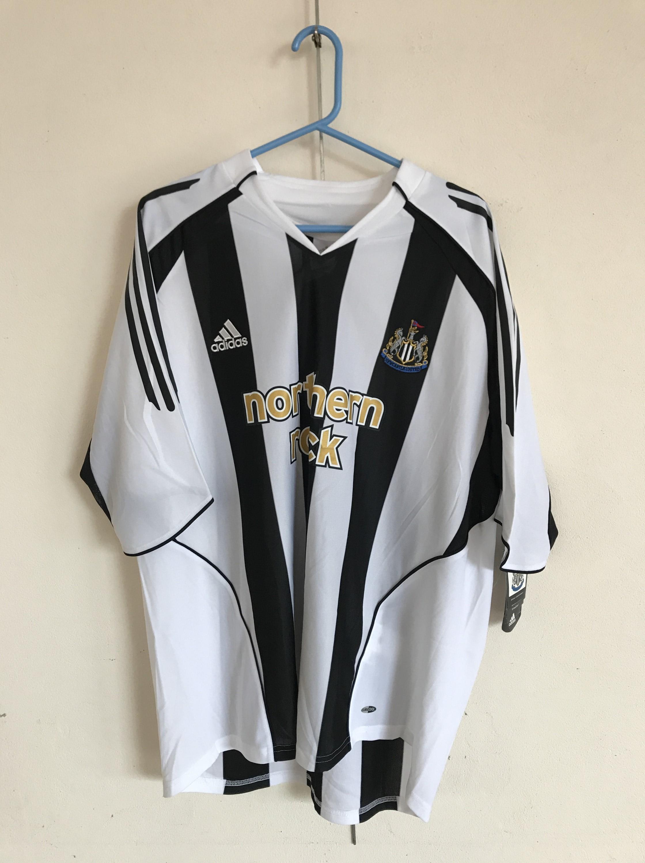 Lot 50 - [Autographs] A Newcastle United No. 9 football shirt signed by Alan Shearer