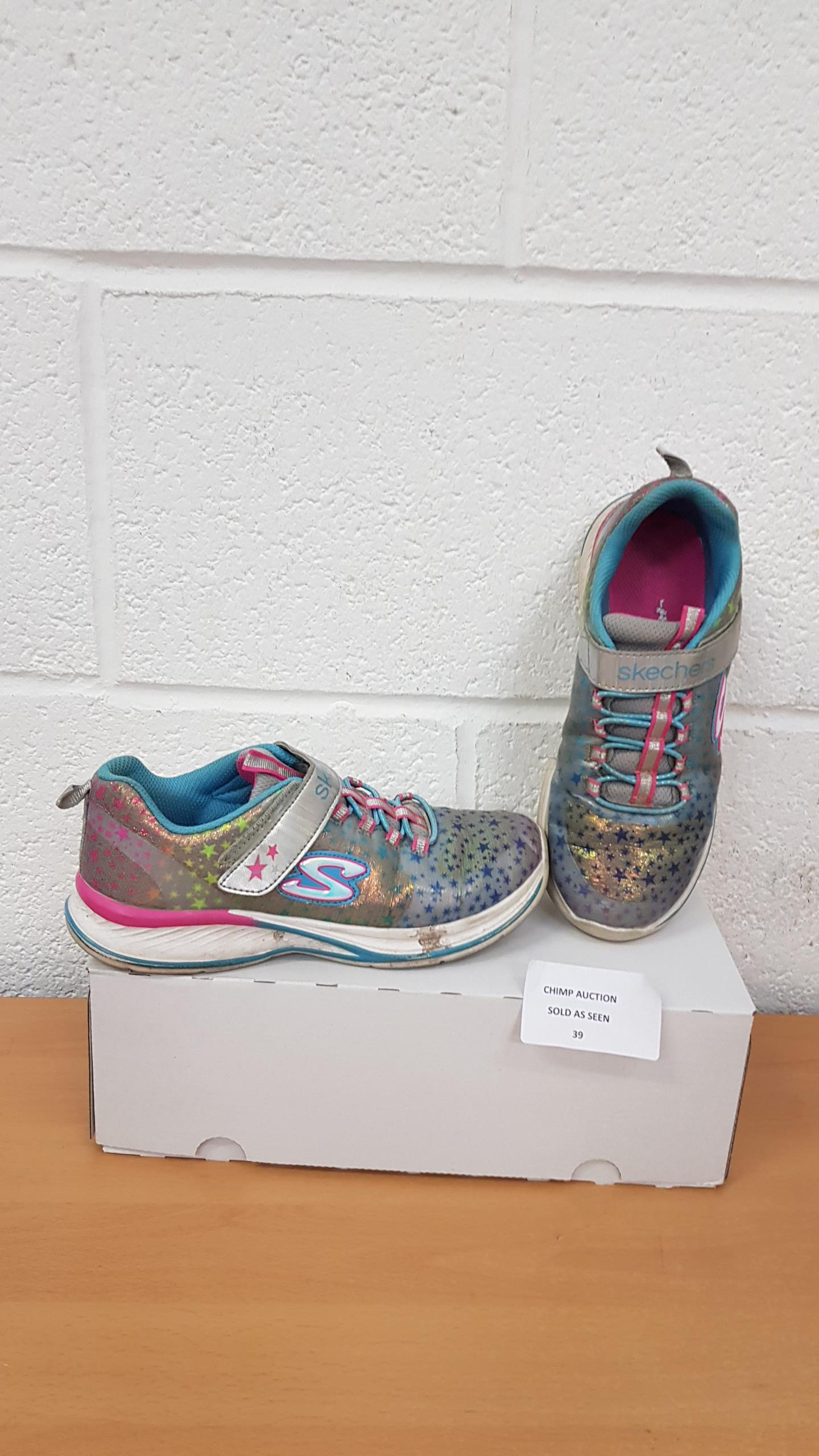 Lot 39 - Sketchers girls trainers UK 2