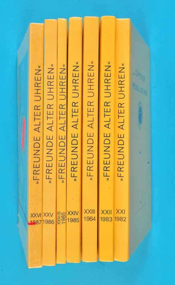 """7 Bände """"Schriften der Freunde alter Uhren"""", XXI/1982 bis XXVI/1987 und Das Astrarium des Giovanni"""