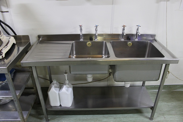 Lot 86 - Stainless steel twin bowl utensil sink LHR with under shelf 1500mm