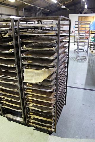 Lot 115 - 5 x galvanised 10 tier bakery racks various takes 30 x 18 trays