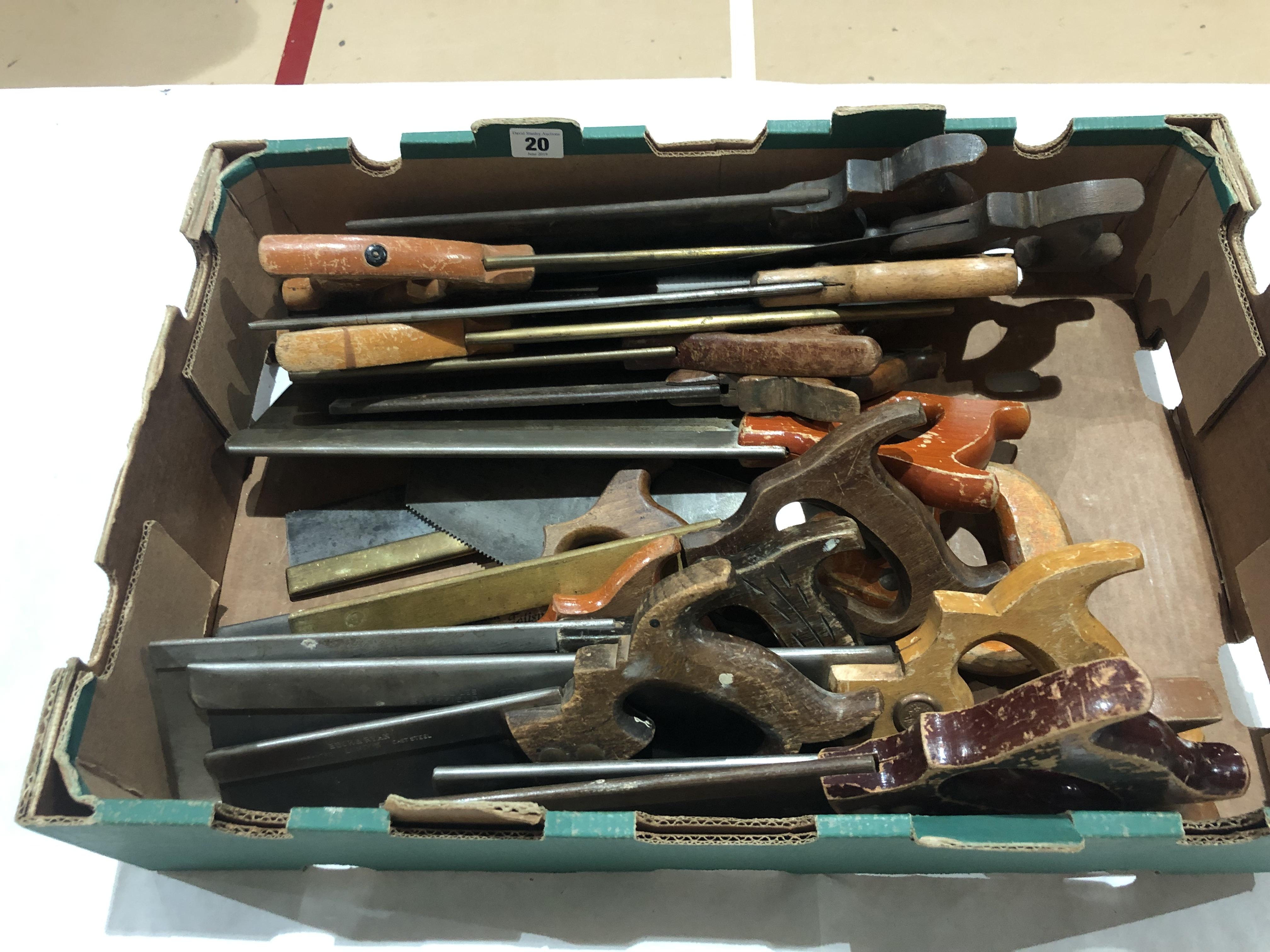 Lot 20 - 16 tenon saws G
