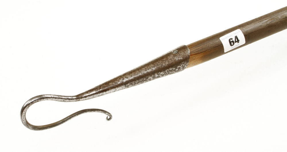 Lot 64 - An unusual slender hook for catching geese G+