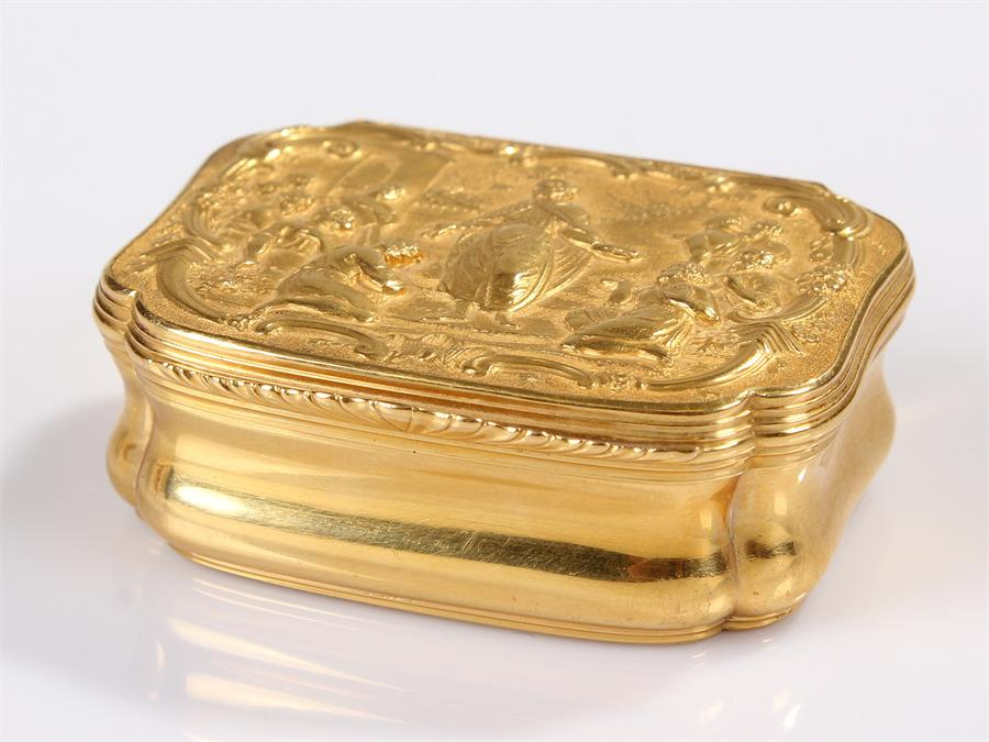 Lot 454 - Beautiful 18th Century Dutch gold box, Amsterdam, maker Jean Saint (1698-1769), the box engraved and