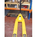 PALLET TRUCK with weighing facility 2000Kg