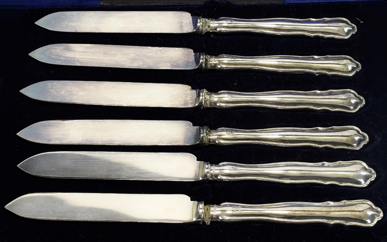 Lot 109 - Victorian Period Set of Six Silver Handl