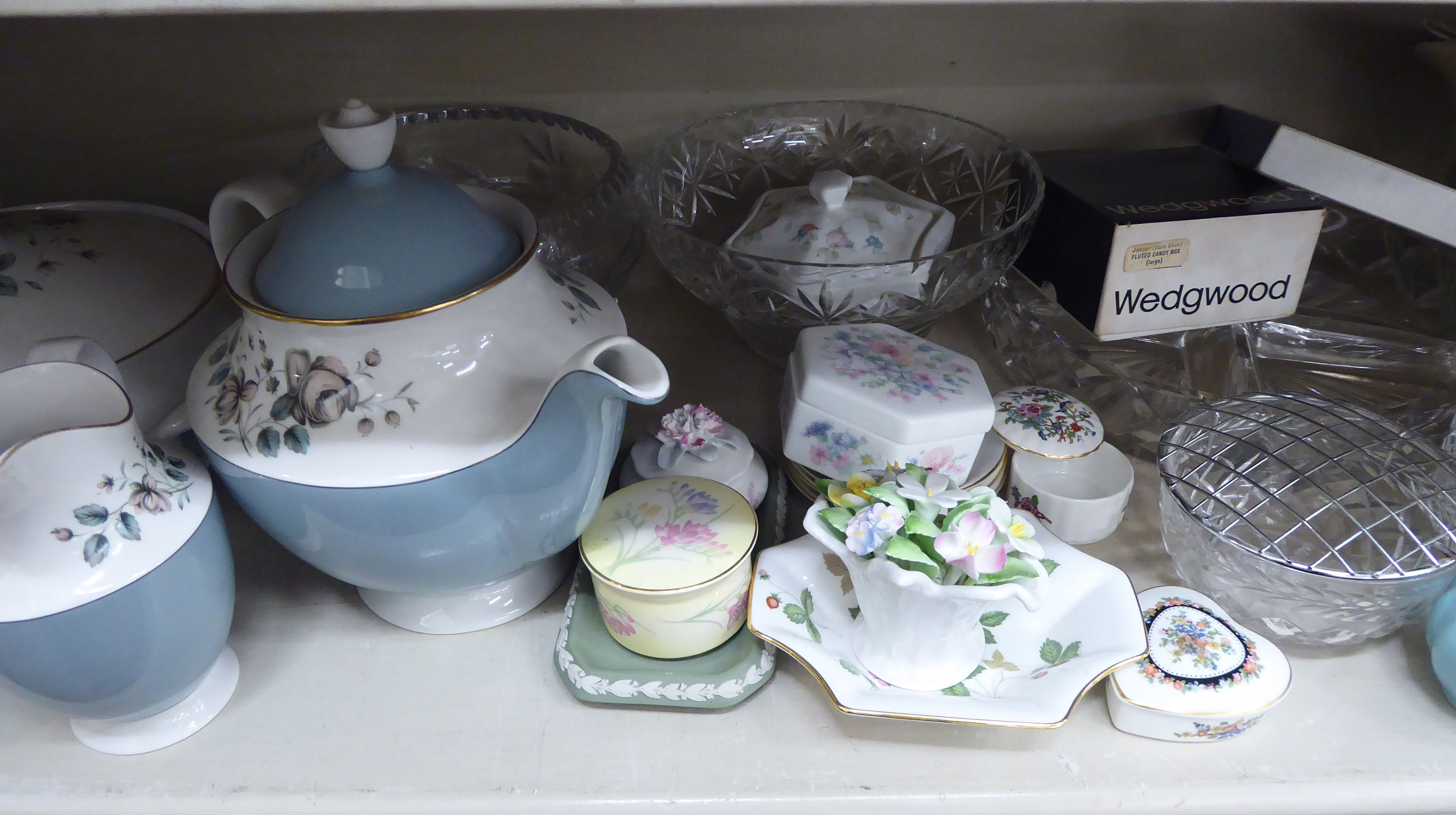 Lot 106 - Ceramics and glassware: to include Royal Doulton china,
