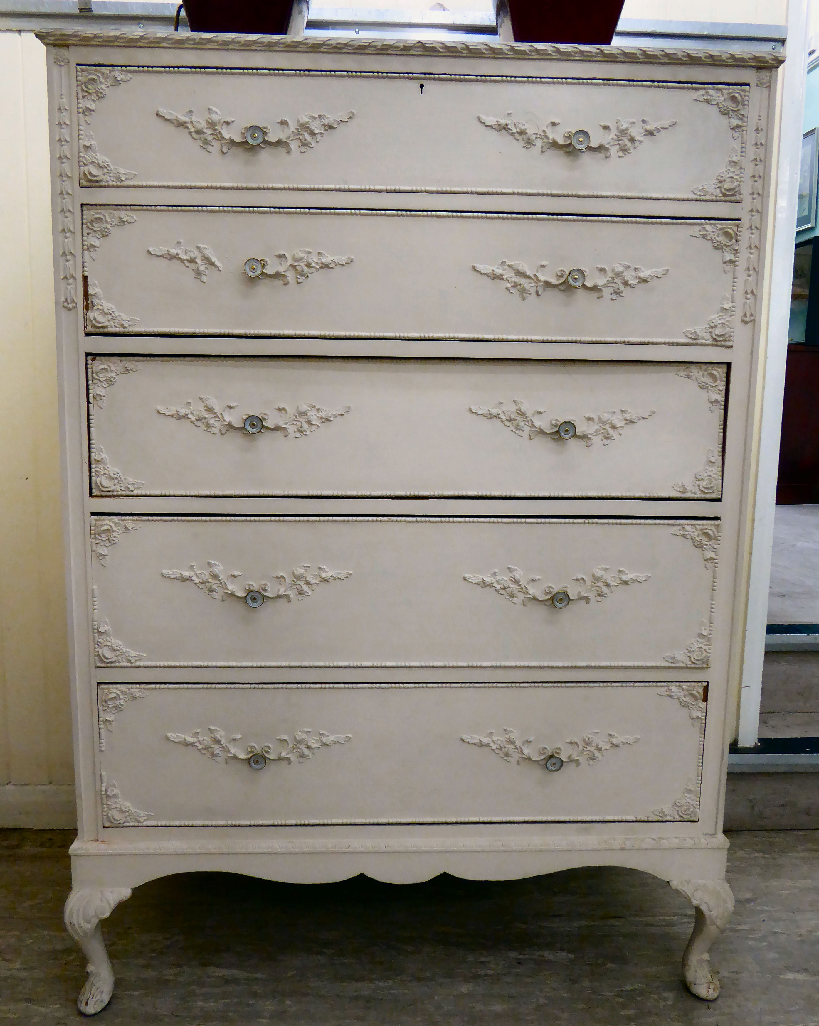 Lot 64 - A modern French inspired white painted five drawer dressing chest,