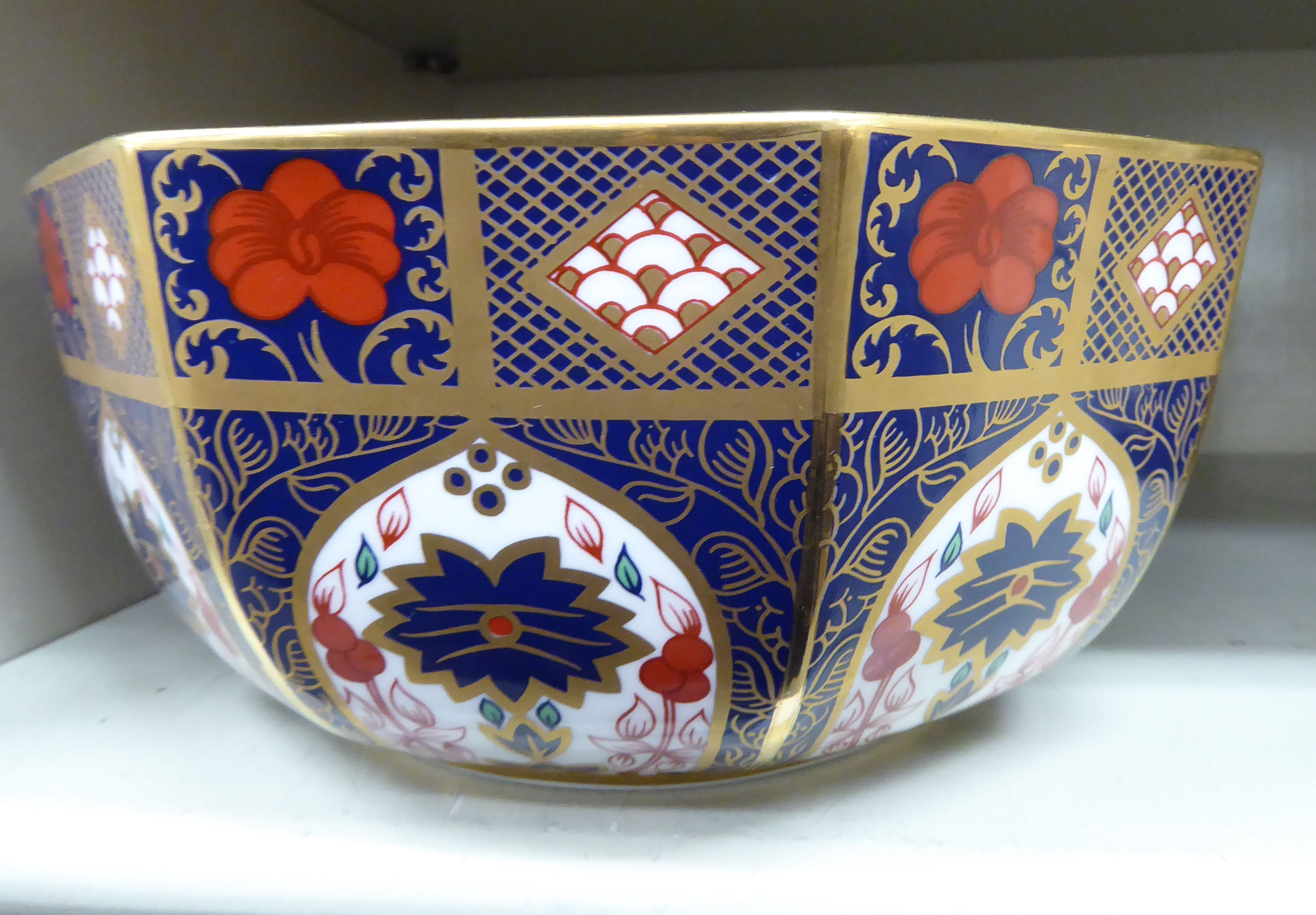 Lot 98 - A Royal Crown Derby style china fruit bowl of octagonal form,