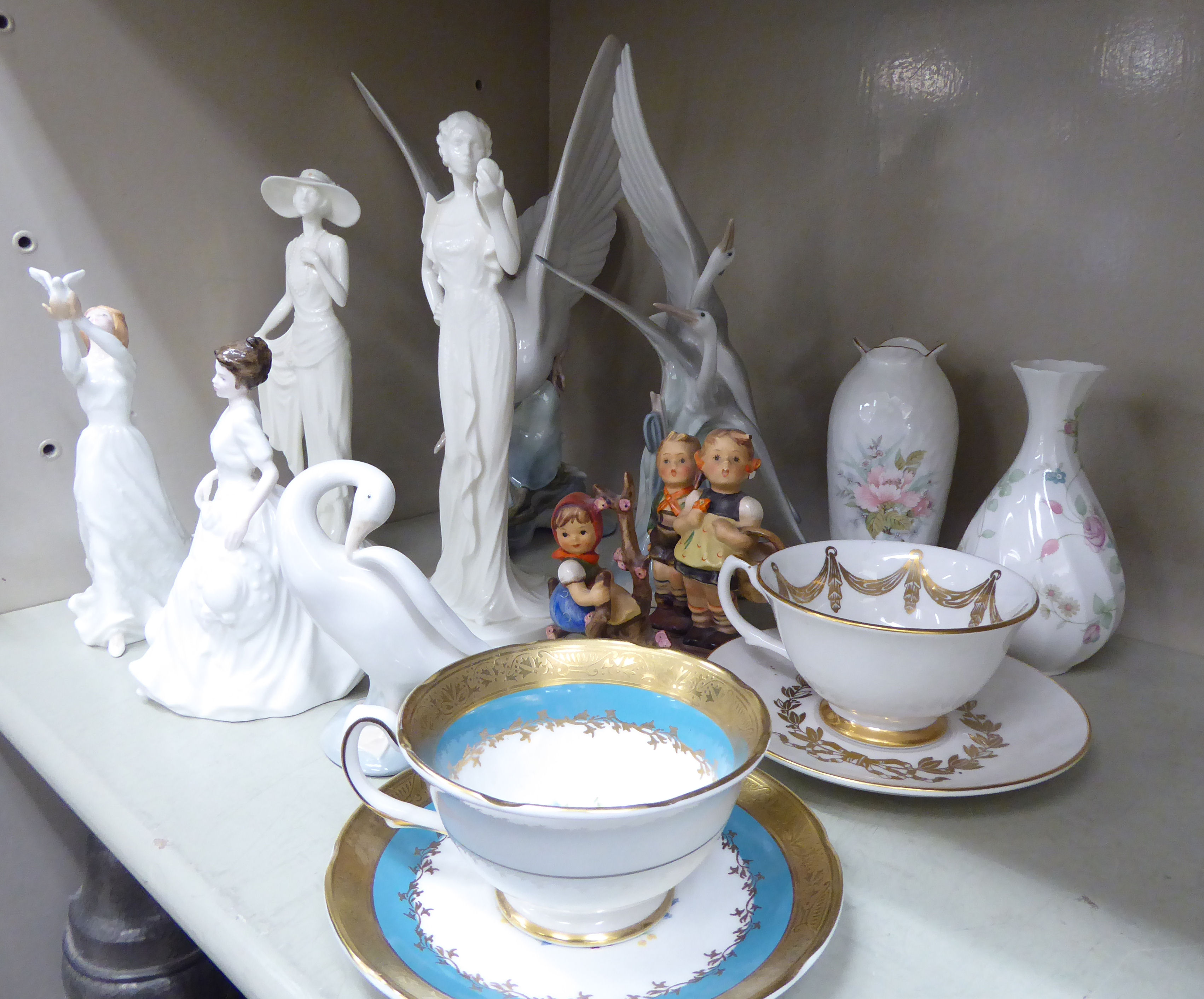 Lot 107 - Decorative ceramics: to include a Coalport china figure 'Moonlight Serenade' Limited Edition by