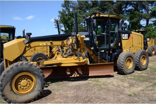 { Choice of lots: 24,25 } (2011) Cat 140M2 Motor Grader 4484 HRS GLOBAL ARRANGEMENT MOLDBOARD,