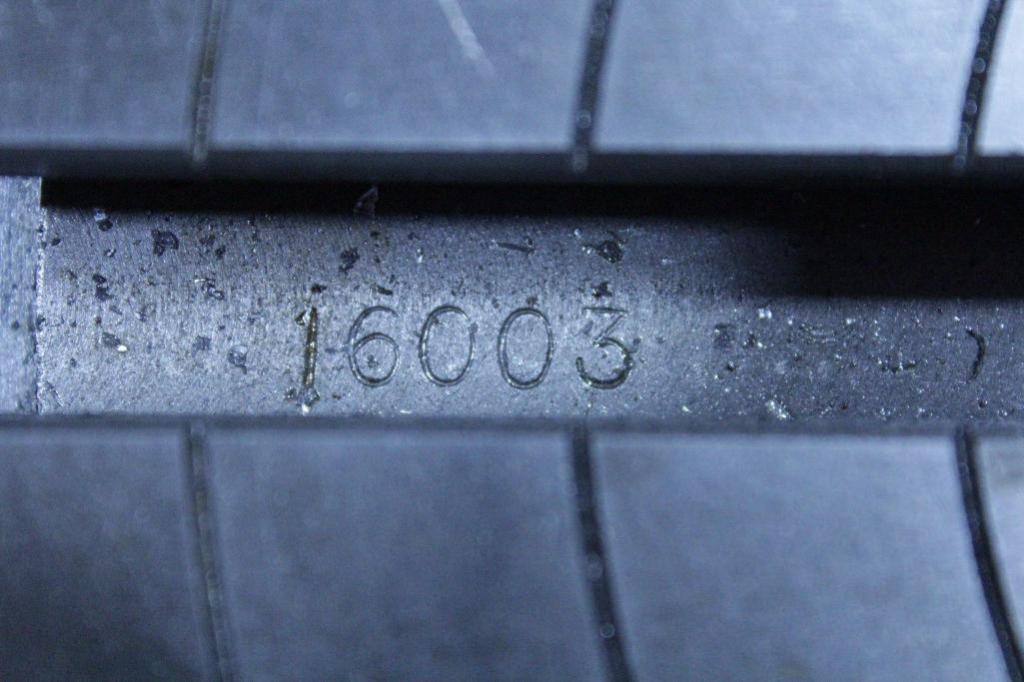 """Lot 9 - Yuasa 550-050 10"""" rotary table"""