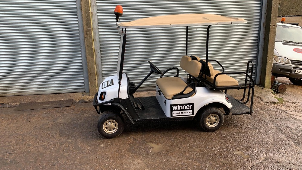 Lot 8 - CUSHMAN EZGO SHUTTLE 4 PETROL ENGINED 4 SEATER GOLF / EVENTS BUGGY. YEAR 2017 BUILD. UNKNOWN HRS.