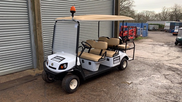 Lot 6 - CUSHMAN EZGO SHUTTLE 6 PETROL ENGINED 6 SEATER GOLF / EVENTS BUGGY. YEAR 2017 BUILD. UNKNOWN REC