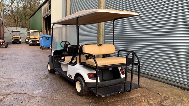 Lot 7 - CUSHMAN EZGO SHUTTLE 6 PETROL ENGINED 6 SEATER GOLF / EVENTS BUGGY. YEAR 2017 BUILD. UNKNOWN REC