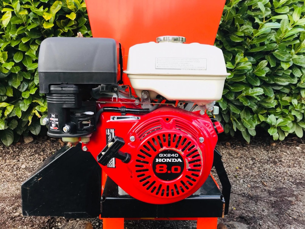 Lot 92 - BEARCAT 70380 PETROL ENGINED SHREDDER WITH 8HP ENGINE, LITTLE PREVIOUS USEAGE. WHEN TESTED WAS