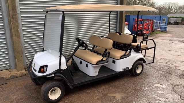 Lot 4 - CUSHMAN EZGO SHUTTLE 6 PETROL ENGINED 6 SEATER GOLF / EVENTS BUGGY. YEAR 2017 BUILD. 234 REC HRS.