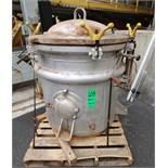 Lanc Iron Works Single Chamber Vertical Retort, SN 135-5-19, 30 lbs Max WP, 650 Degree Max Temp,