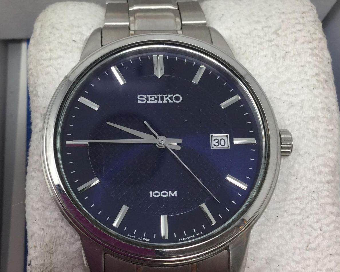 Lot 7 - Seiko Watch - Silver Band and Blue Face