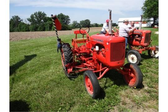 AC B Tractor, Gas, Wide Frt, w/AC 5' Mid Mount Sickle Bar Mower
