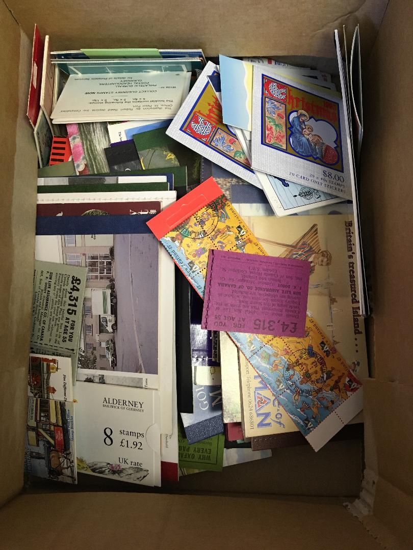 Lot 19 - STAMPS : Commonwealth and Channel Islands booklets (100+ booklets)