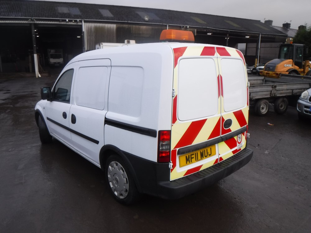 11 reg vauxhall combo 2000 cdti van 1st reg 06 11 test. Black Bedroom Furniture Sets. Home Design Ideas
