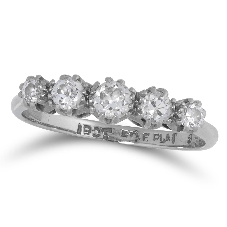 Los 3 - DIAMOND DIAMOND FIVE STONE RING set with five round cut diamonds, size L / 6, 2.4g.