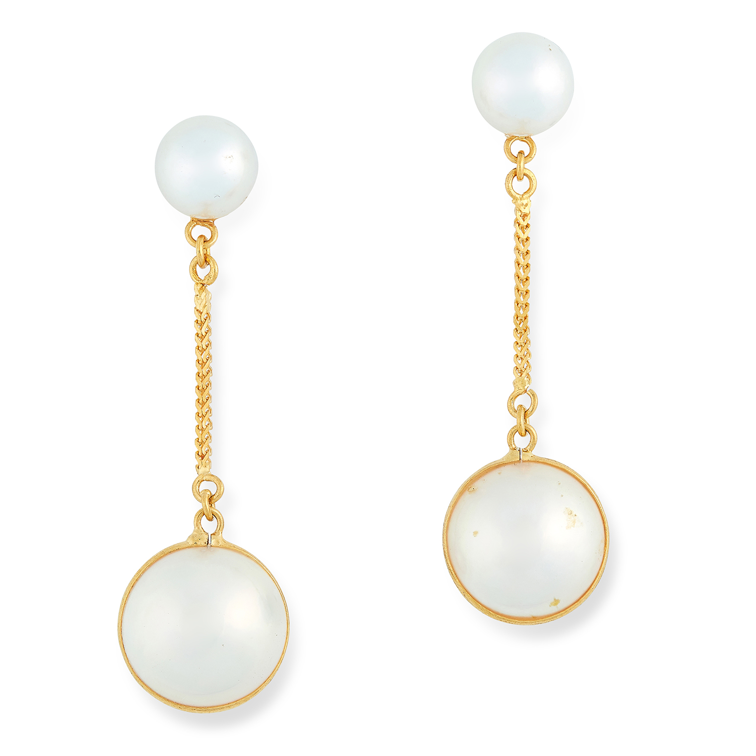 Los 20 - PEARL DROP EARRINGS set with a pearl and a pearl drop, 4.4cm, 4.4g.