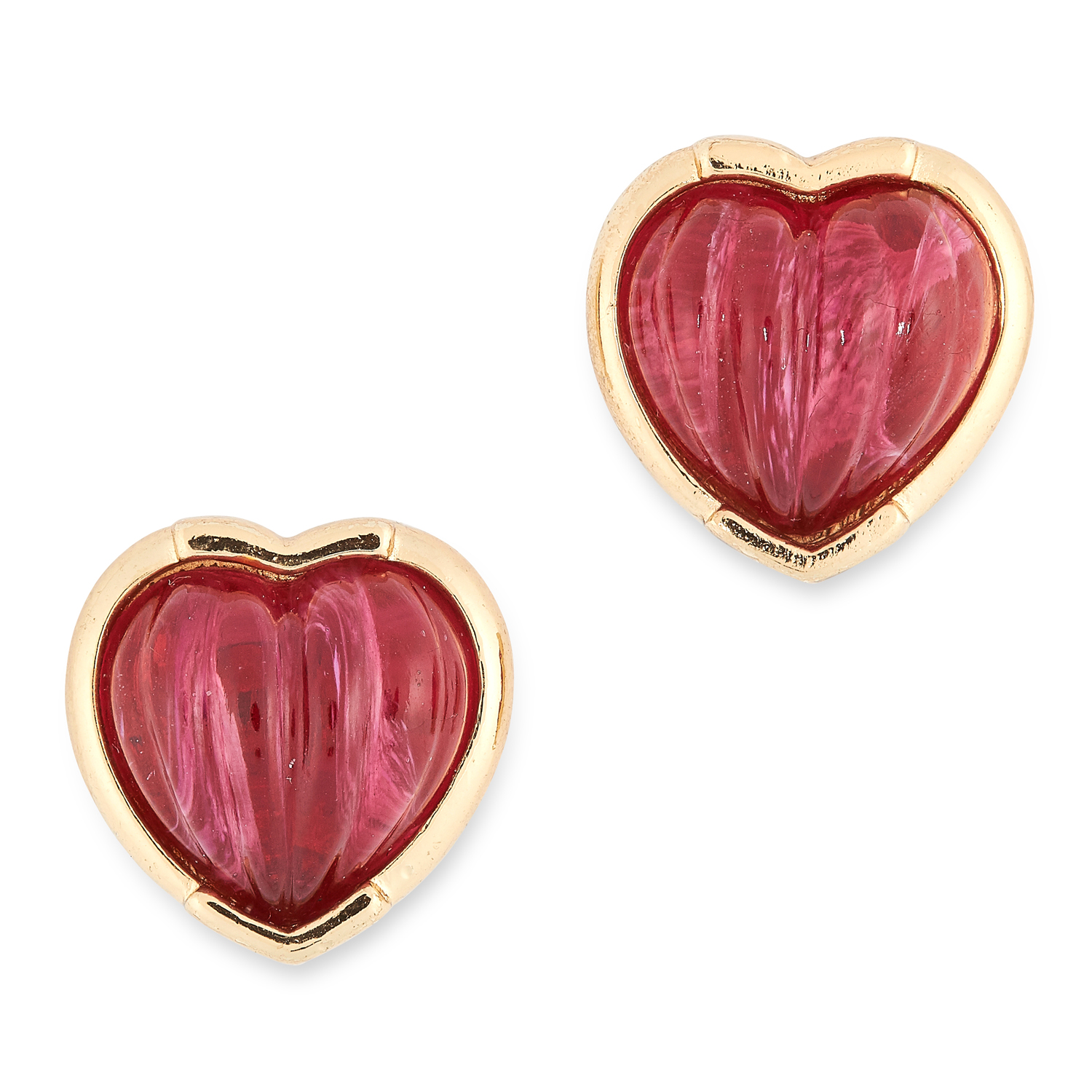 Los 84 - CRYSTAL HEART EARRINGS each set with polished red crystals, 1.7cm, 15.3g.