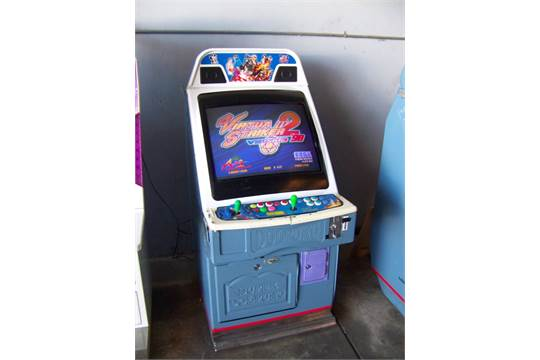 virtua striker 2 candy cabinet arcade game item is in used
