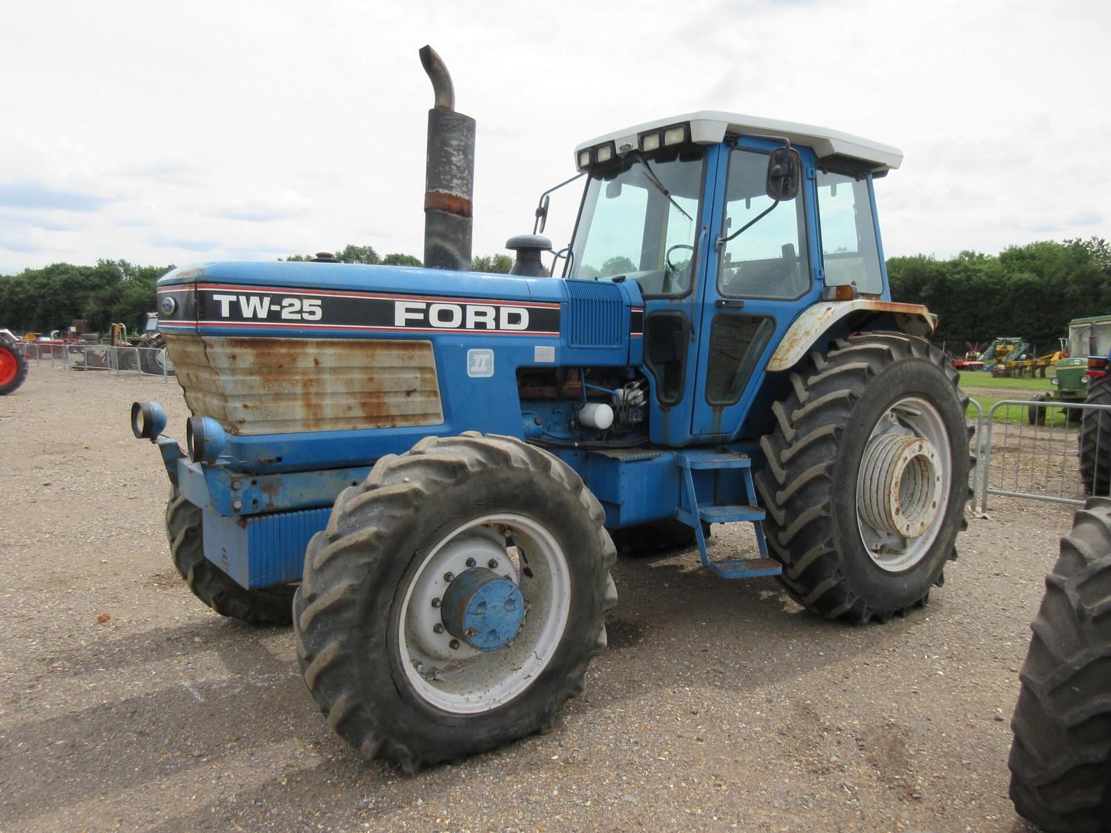 1990 ford tw 25 gen ii 6cylinder diesel tractor fitted. Black Bedroom Furniture Sets. Home Design Ideas