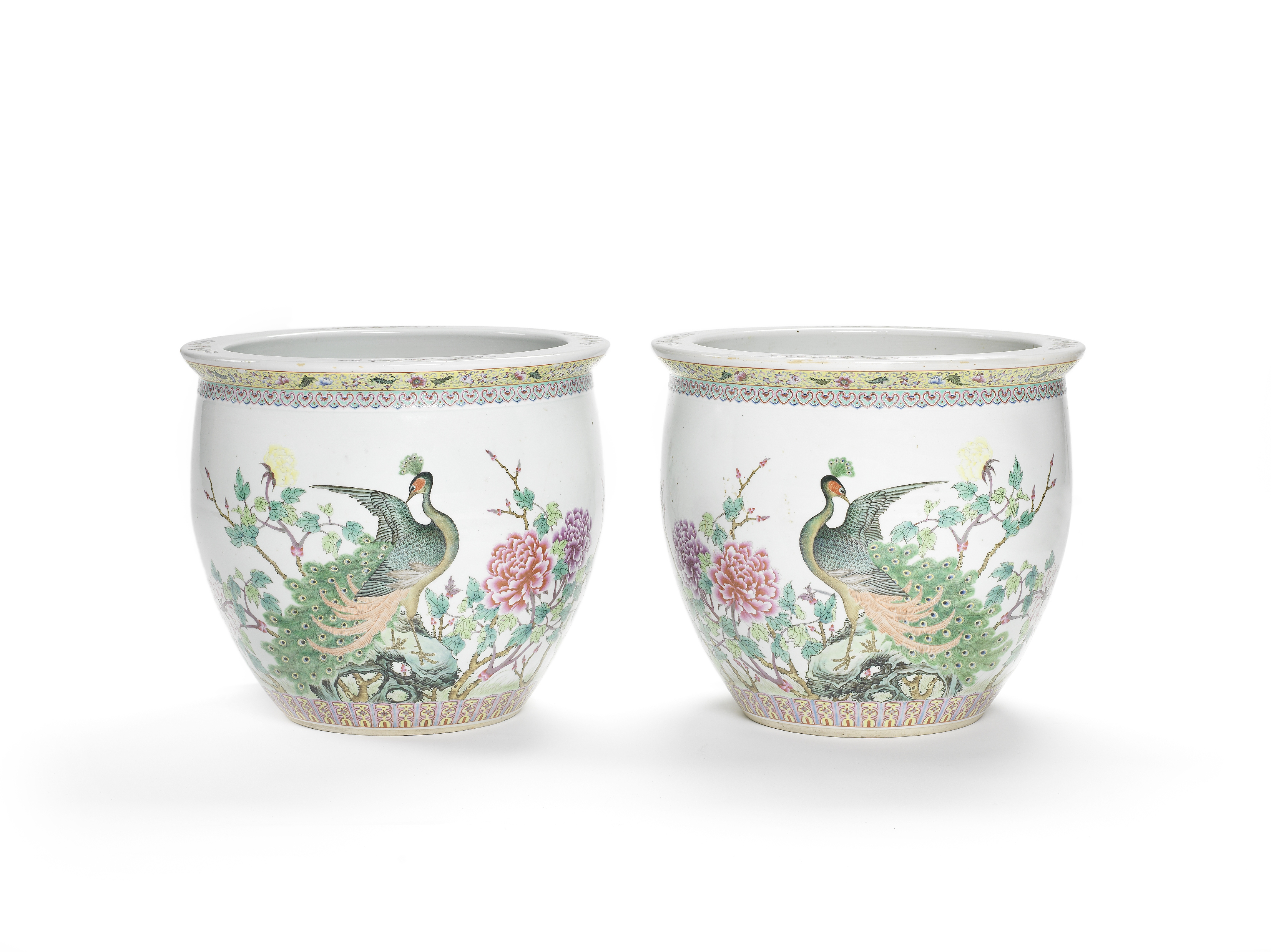 Lot 253 - A pair of Chinese famille rose enameled jardinieres 20th century