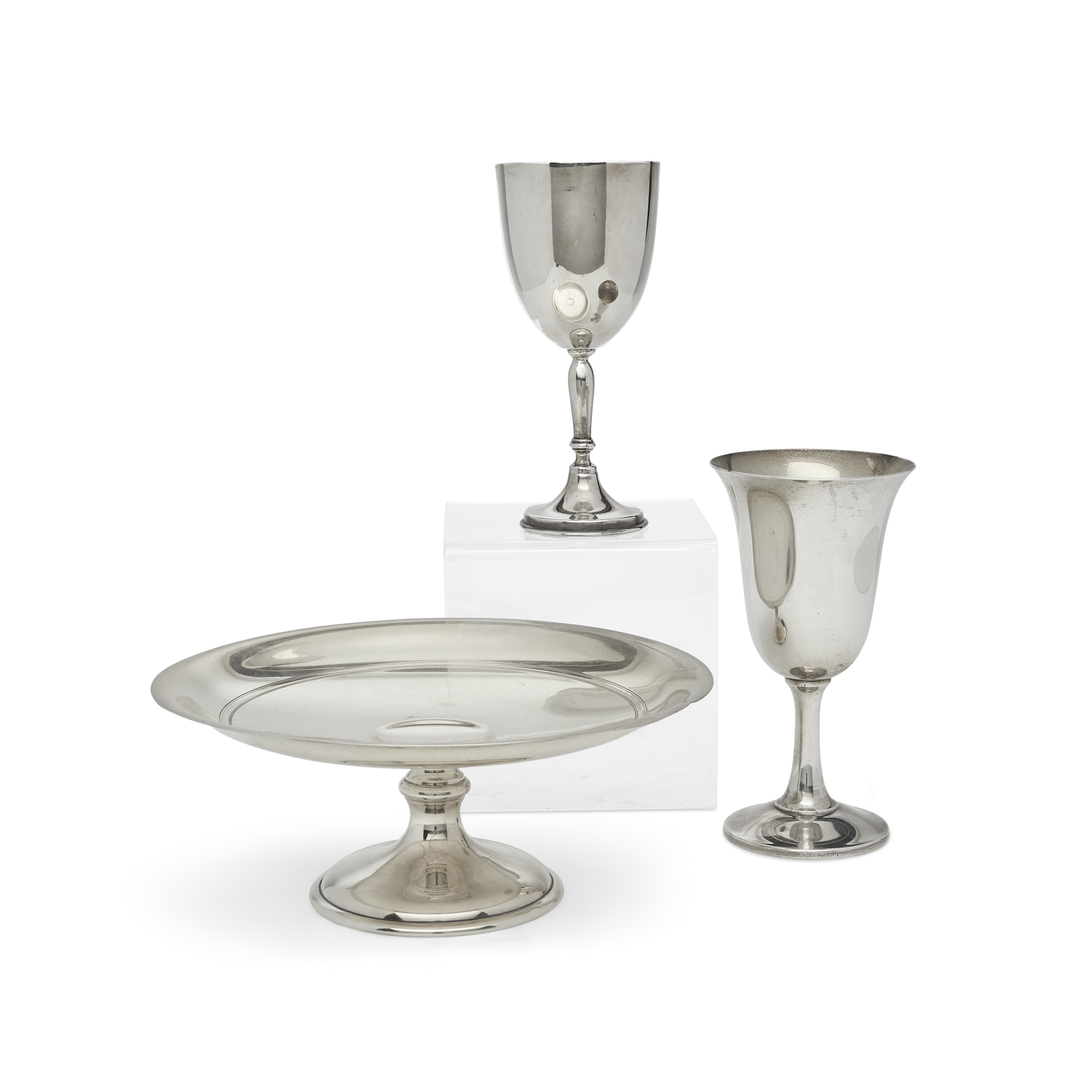 A set of eight sterling silver goblets by Wallace Silversmiths, Wallingford, CT, 20th century