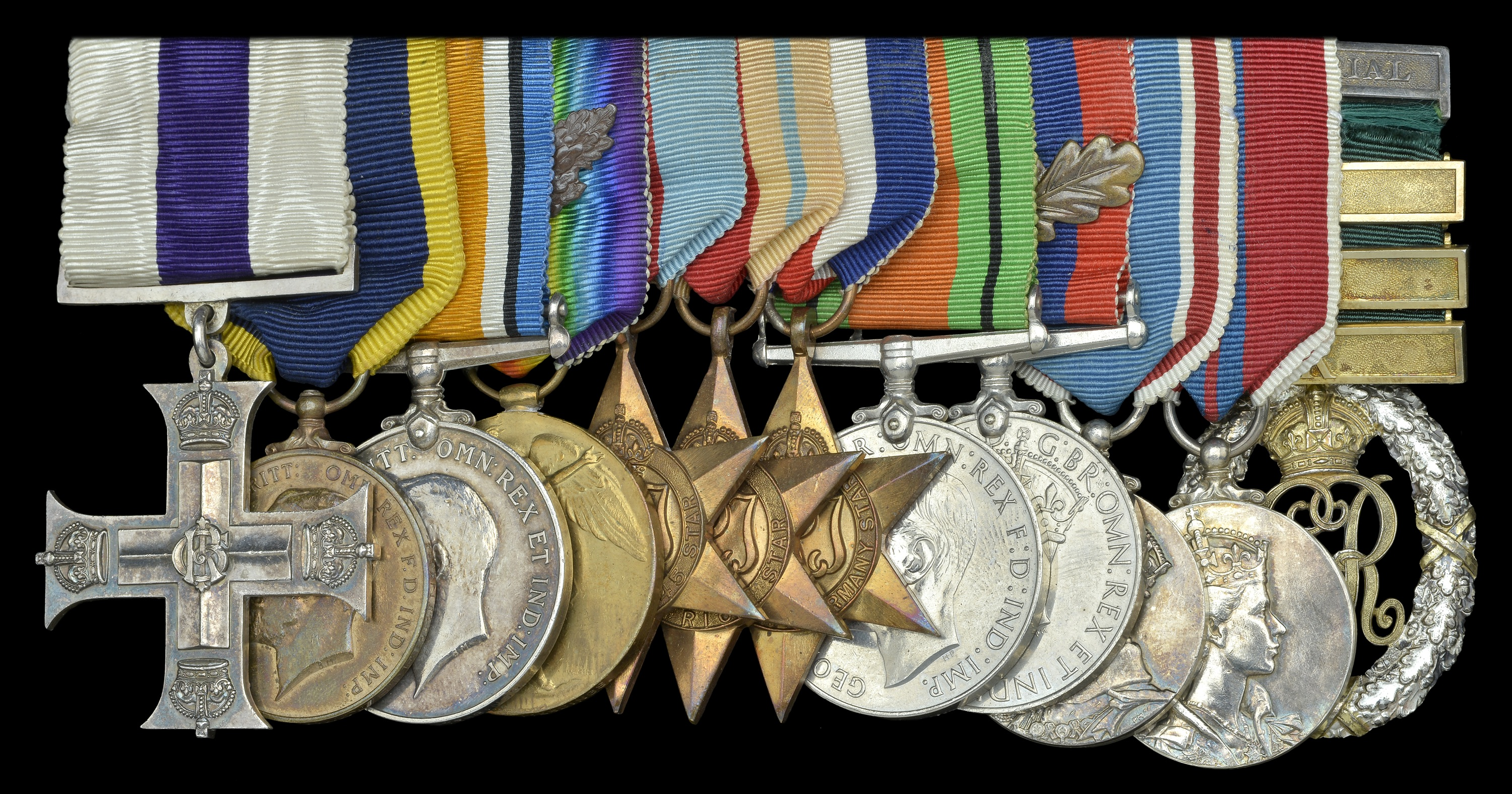 Lot 76 - GROUPS and SINGLE DECORATIONS for GALLANTRY