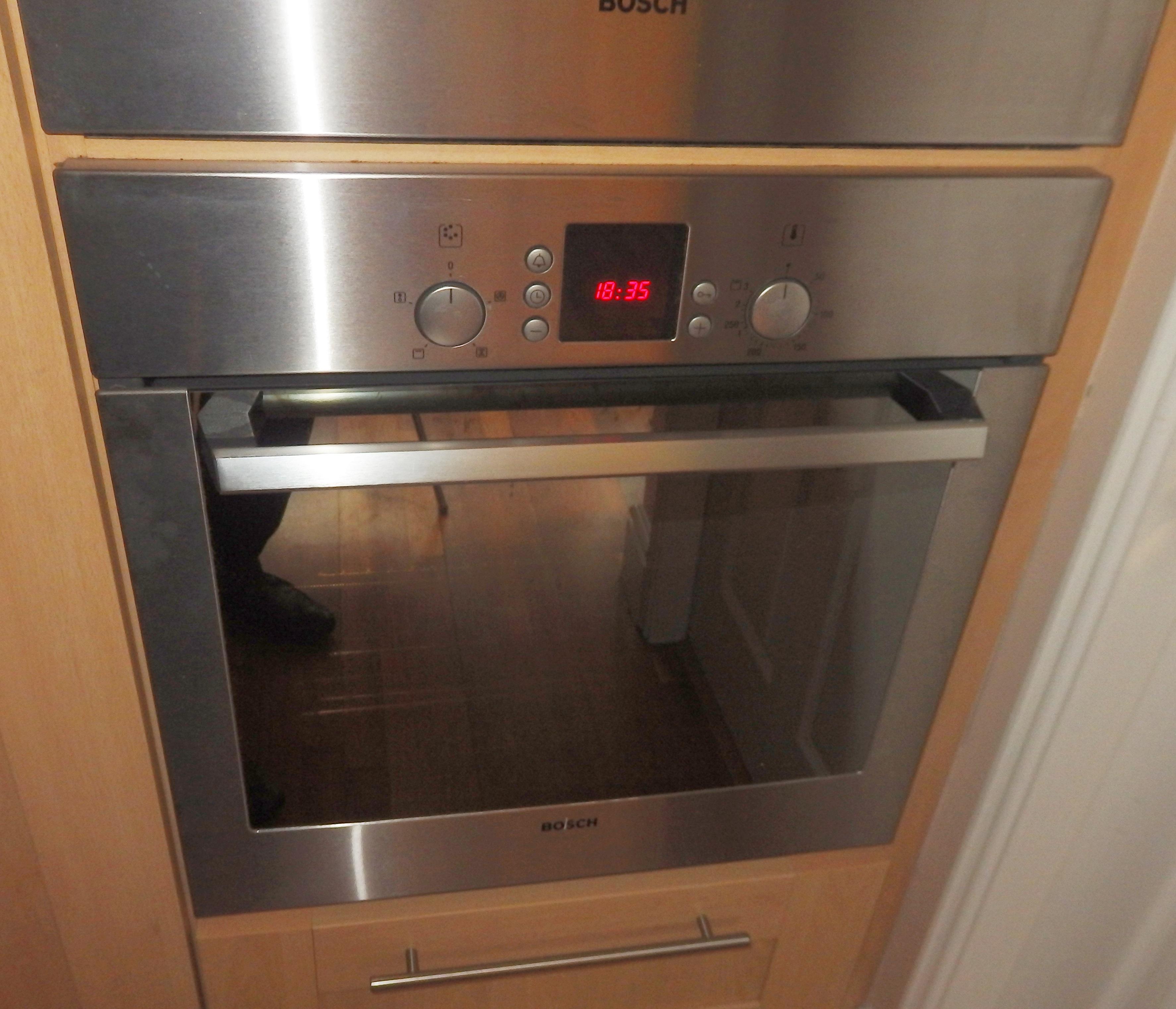 Oak Shaker Style Kitchen With Appliances Timeless Shaker Style Design Selection Of Bosch Appl