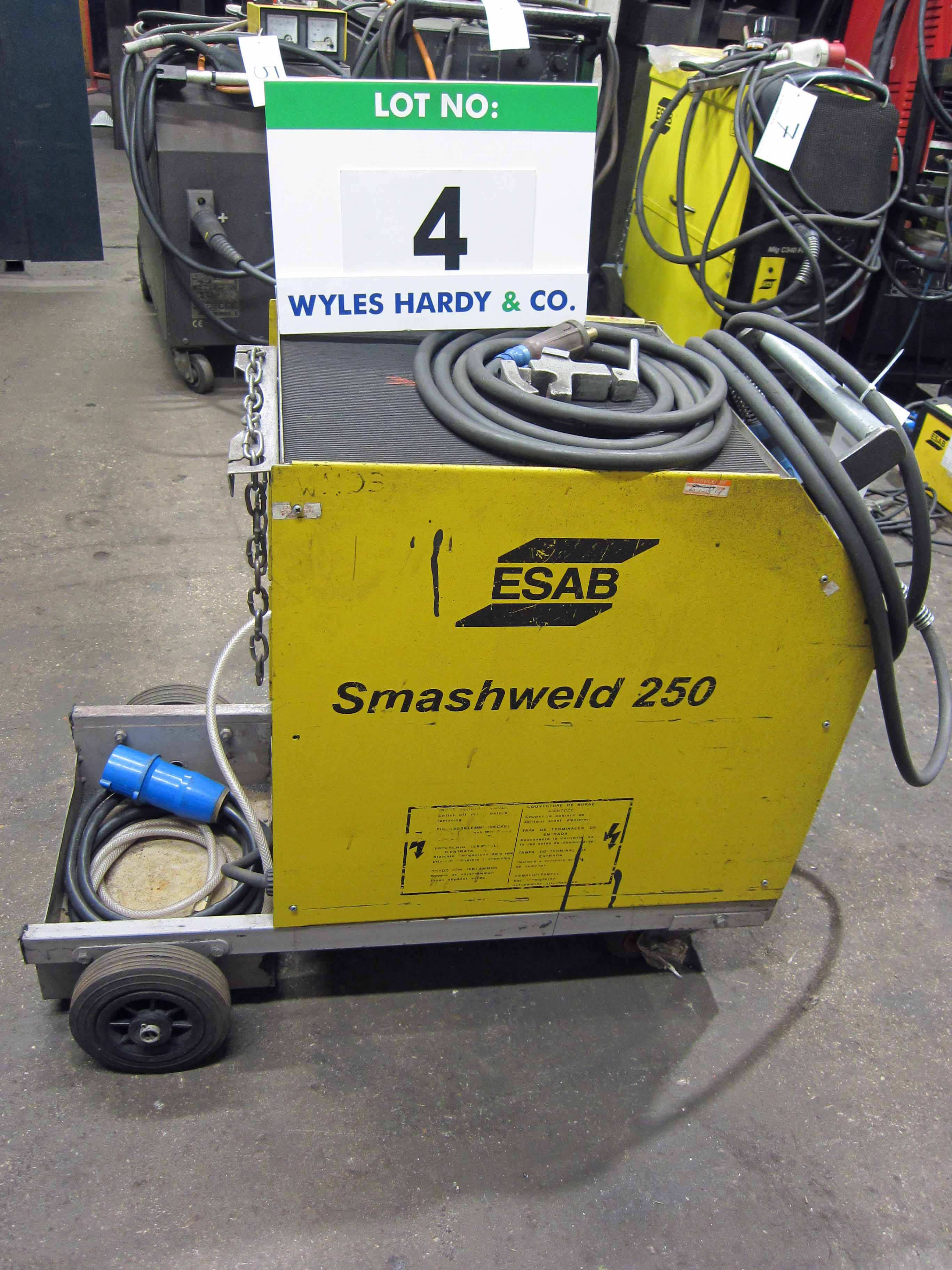 An ESAB Model Smashweld 250 Mig Welder complete with Gun and Earth Lead, Serial No. 99B/0040 - Image 2 of 5