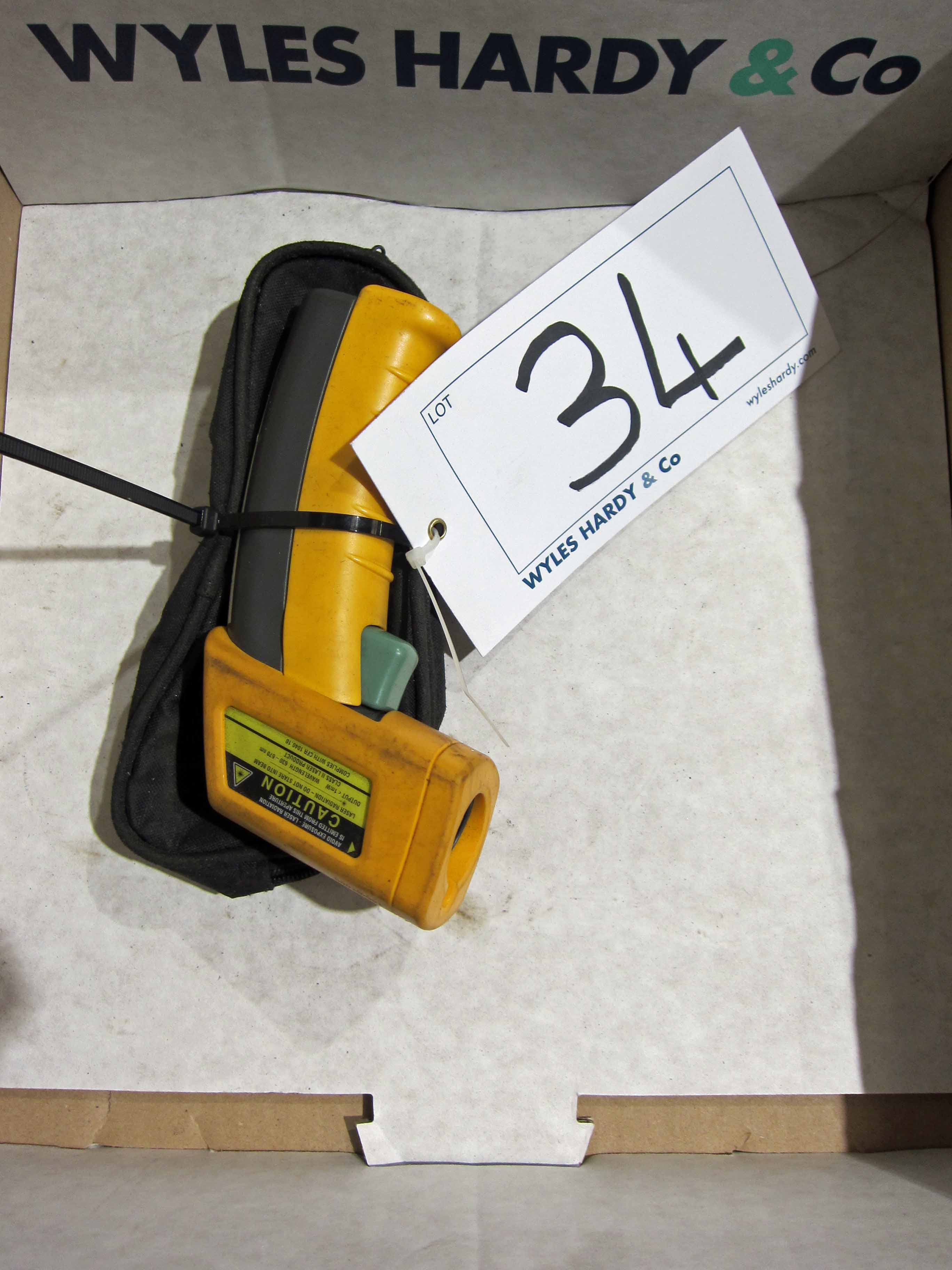 A FLUKE Model 52 Mini IR Infra Red Thermometer and Case