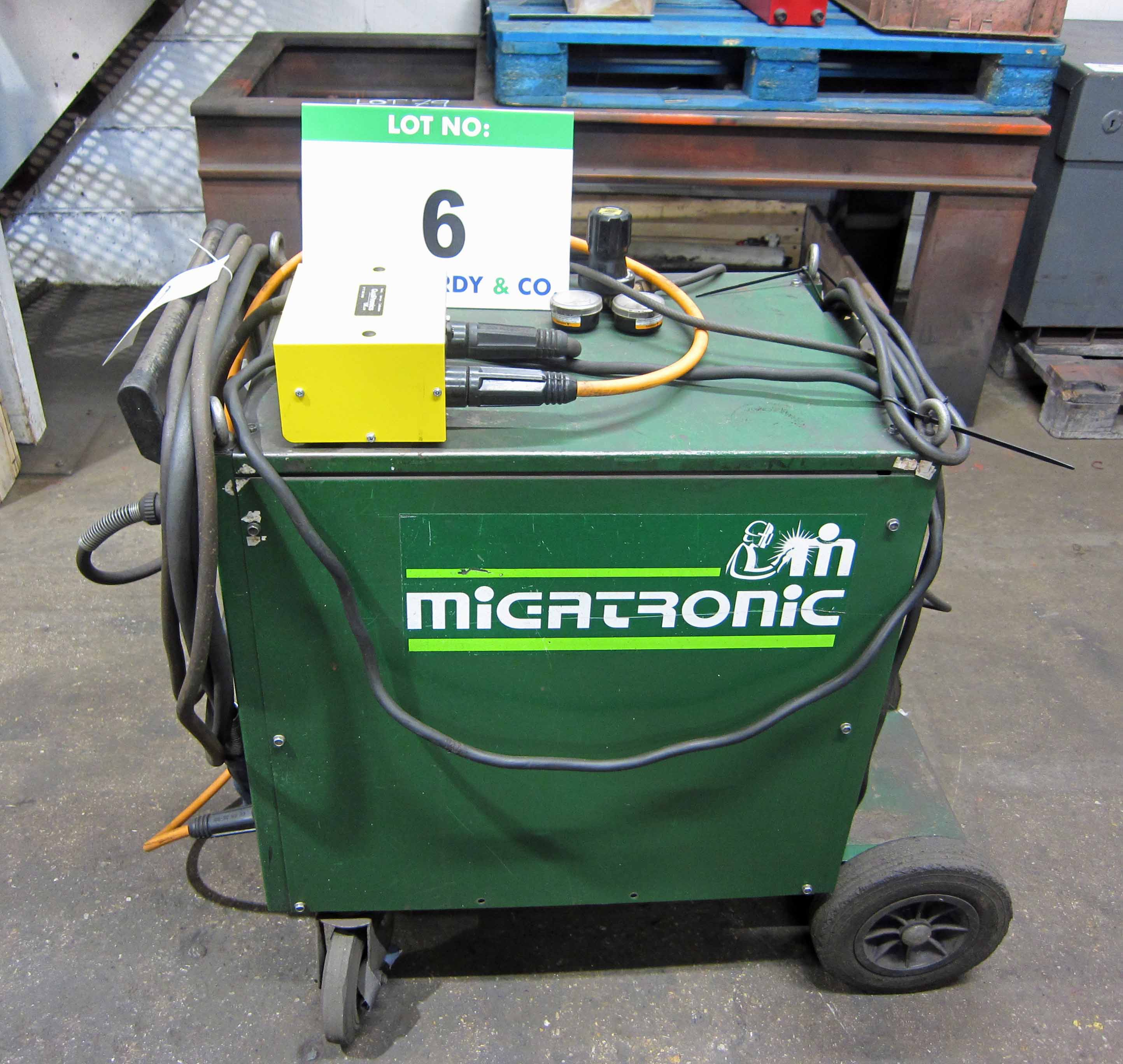 A MIGTRONIC Model Dyna Mig 335 Mig Welder (KDO335) complete with QUALITRONICS Voltage and Amp and - Image 2 of 7
