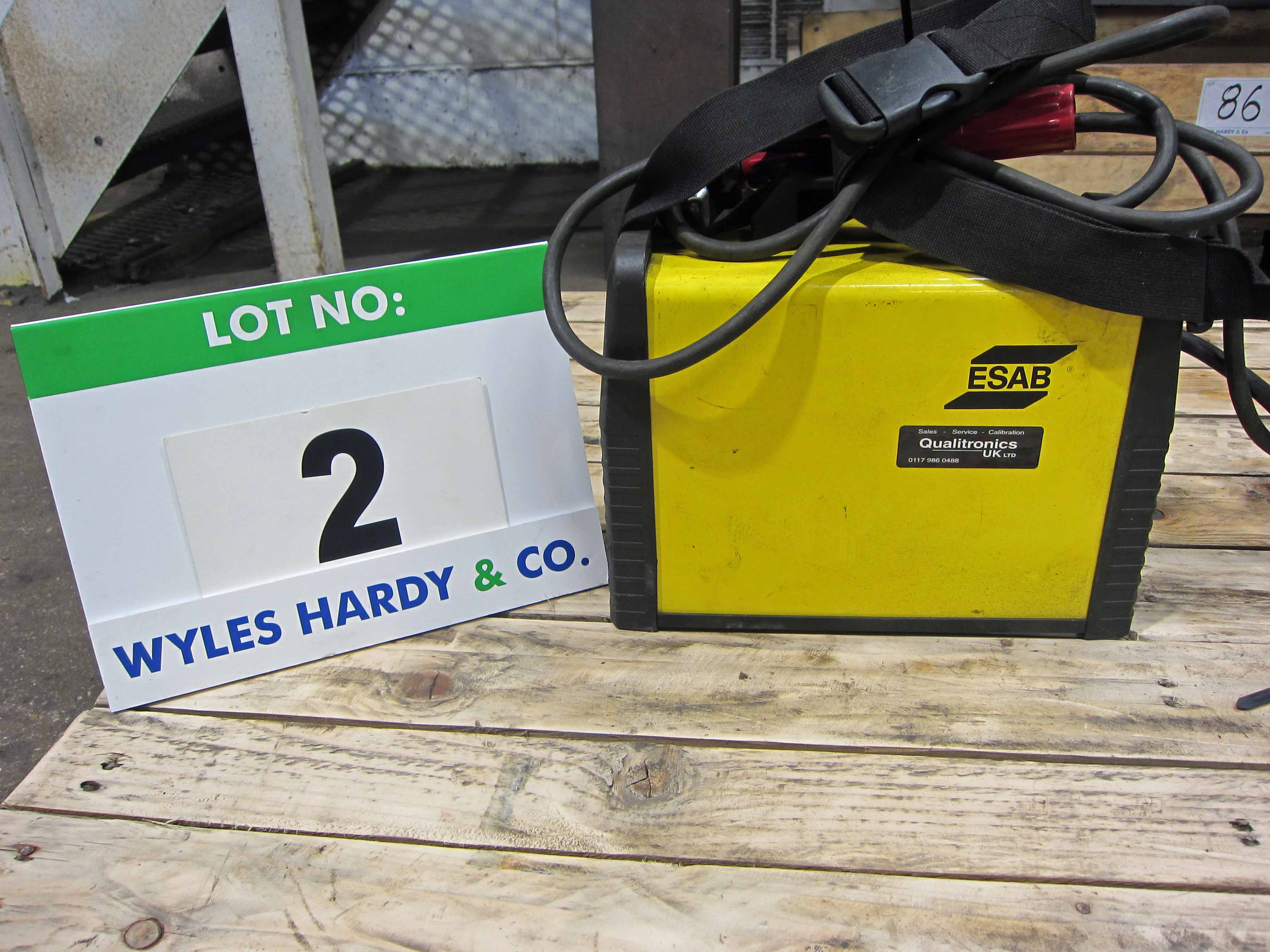 An ESAB Buddy Arc 180 240V Portable Arc Welder complete with Torch (Calibrated to November 2020) - Image 3 of 5