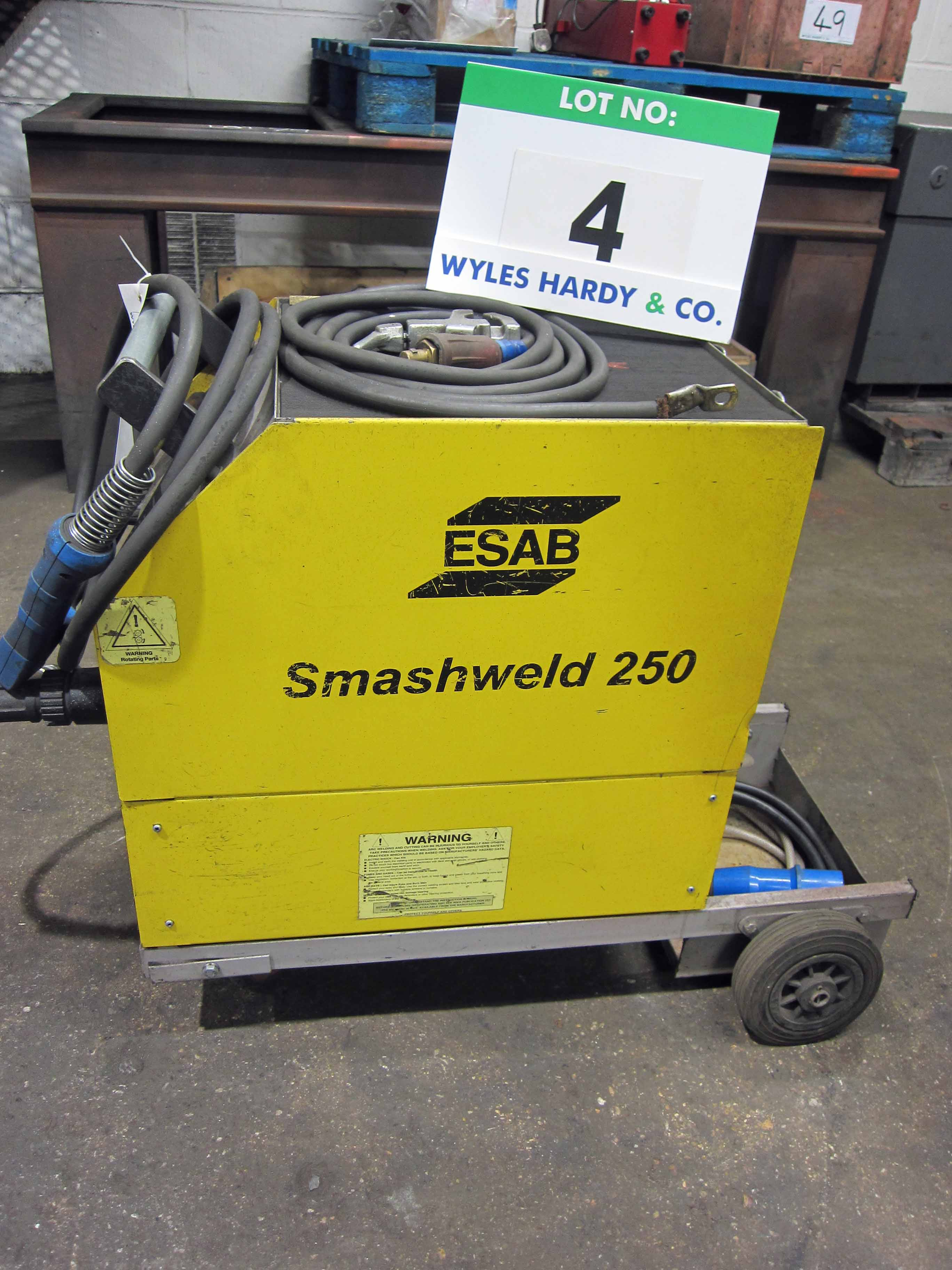 An ESAB Model Smashweld 250 Mig Welder complete with Gun and Earth Lead, Serial No. 99B/0040 - Image 3 of 5