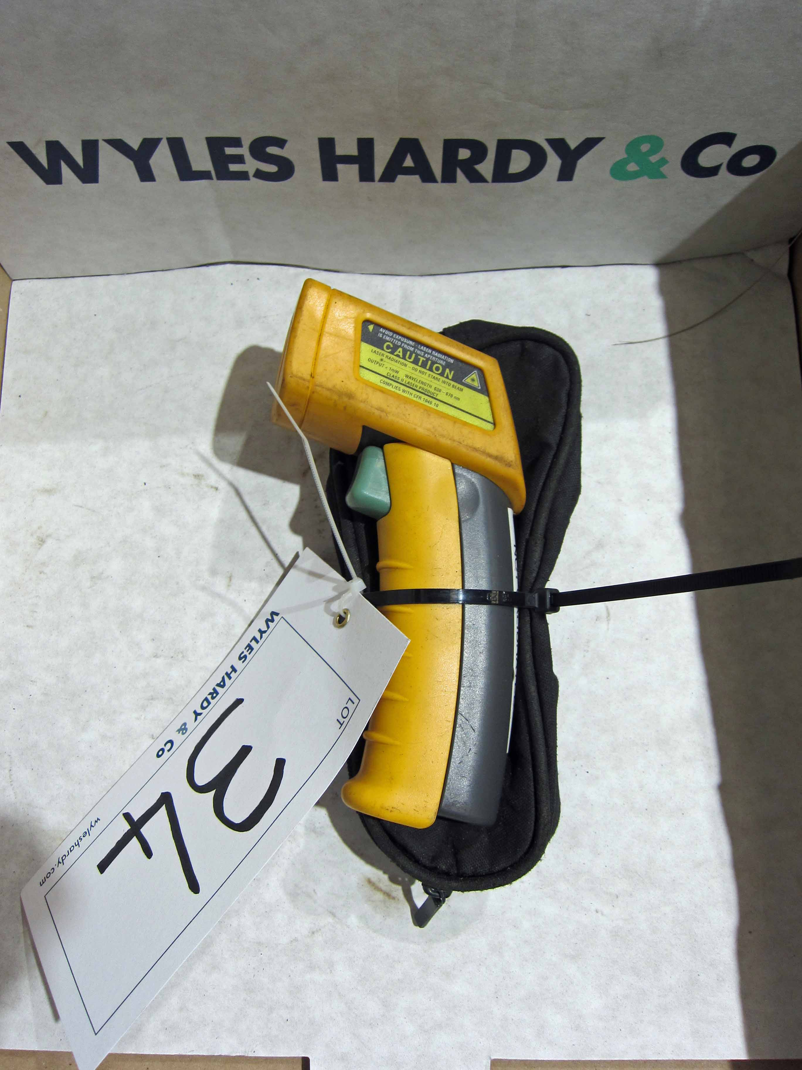 A FLUKE Model 52 Mini IR Infra Red Thermometer and Case - Image 2 of 2