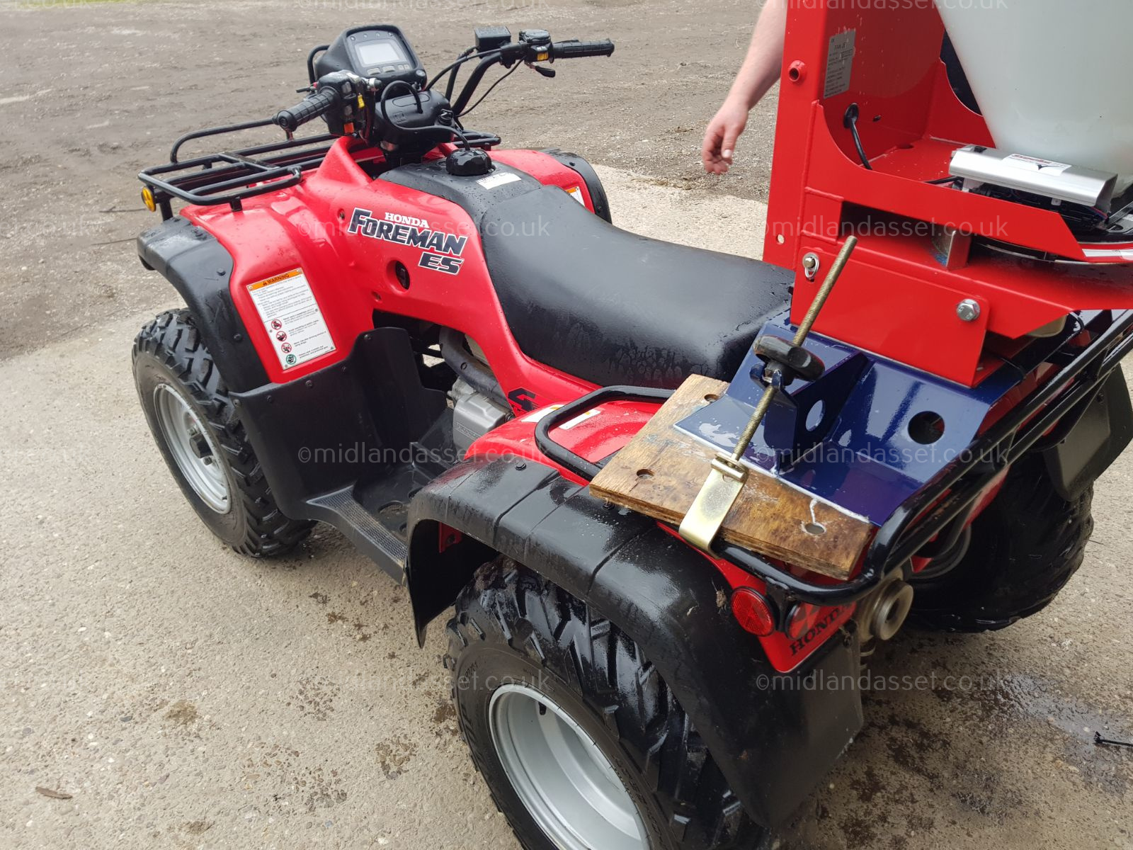 Lot 155 - 2004 HONDA TRX 450cc QUAD BIKE