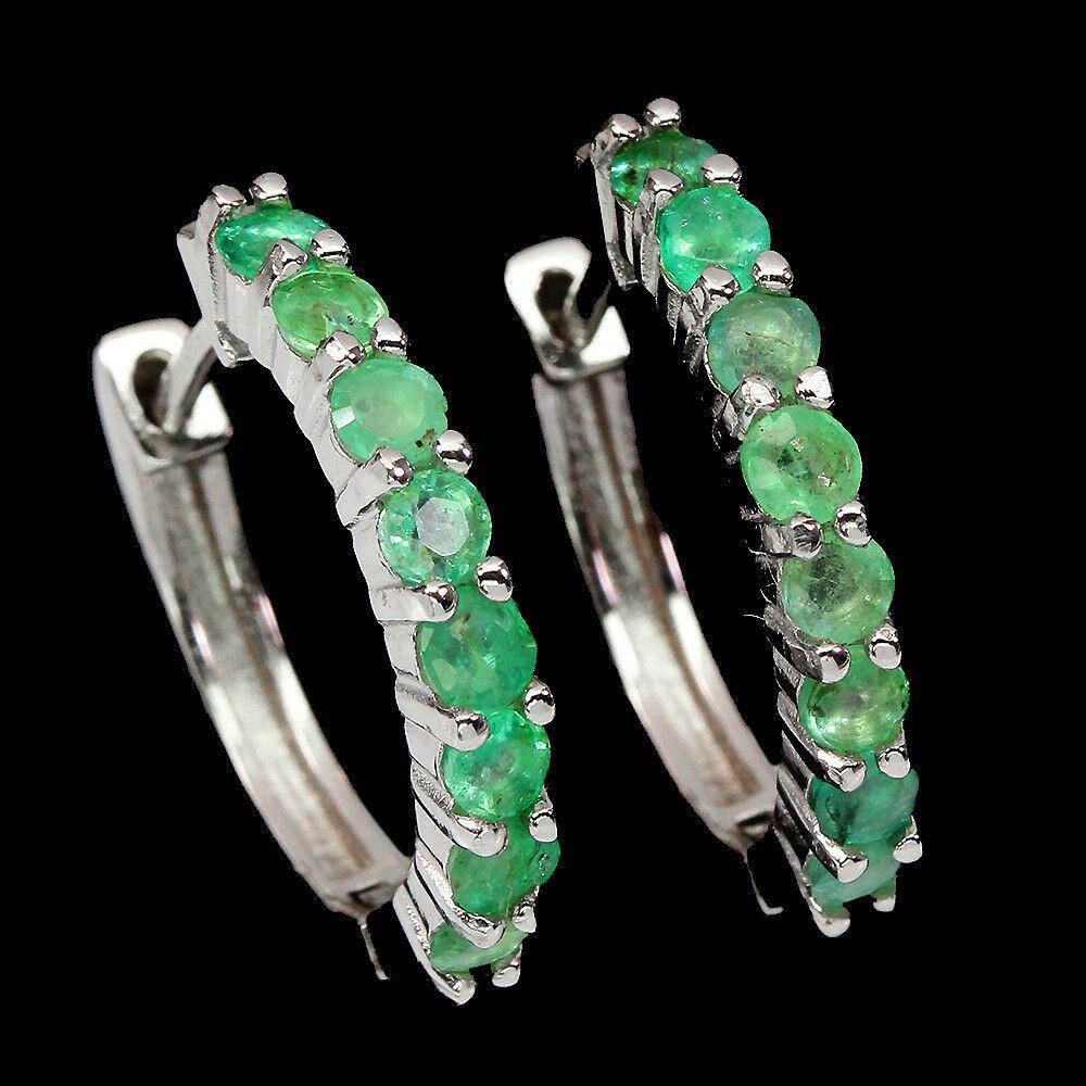 A pair of 925 silver emerald set hoop earrings, L. 1.8cm.