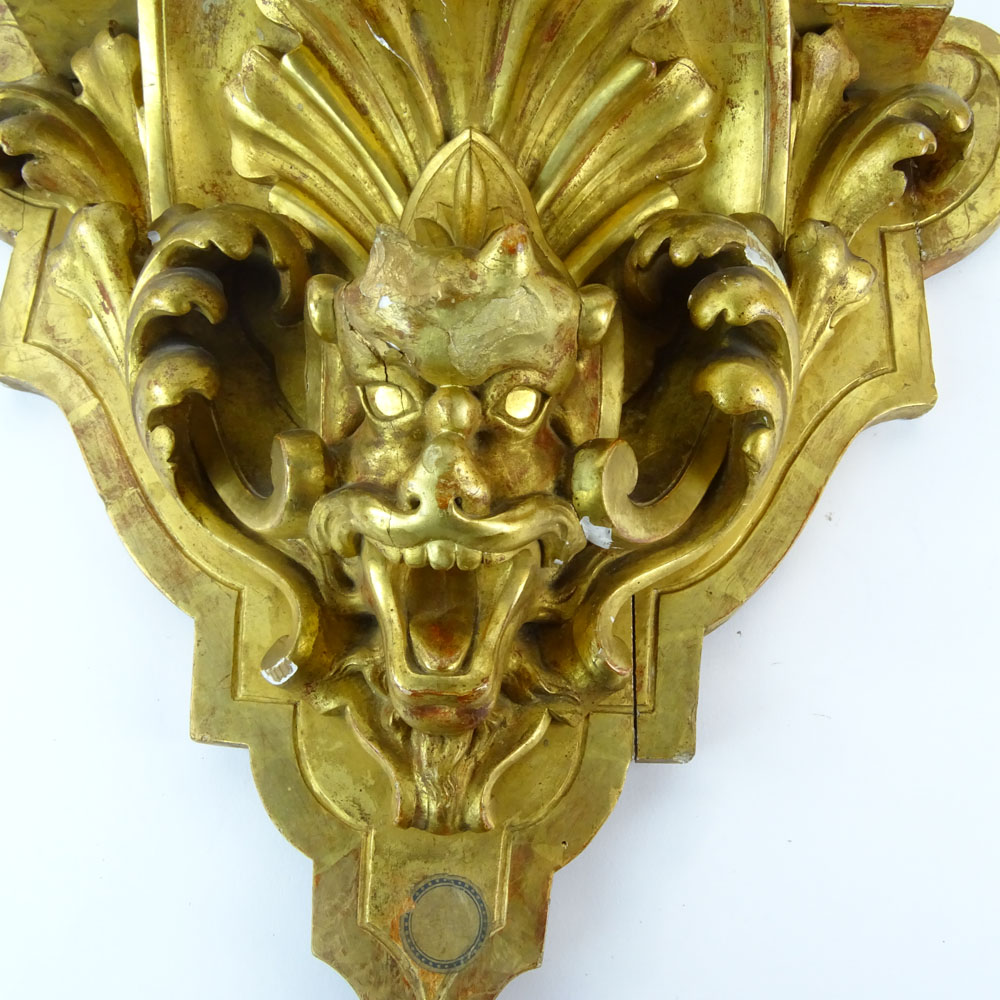 19/20th Century Carved and Gilt Wood Wall Bracket with Relief Mask and Acanthus Leaf Decoration. - Image 2 of 3