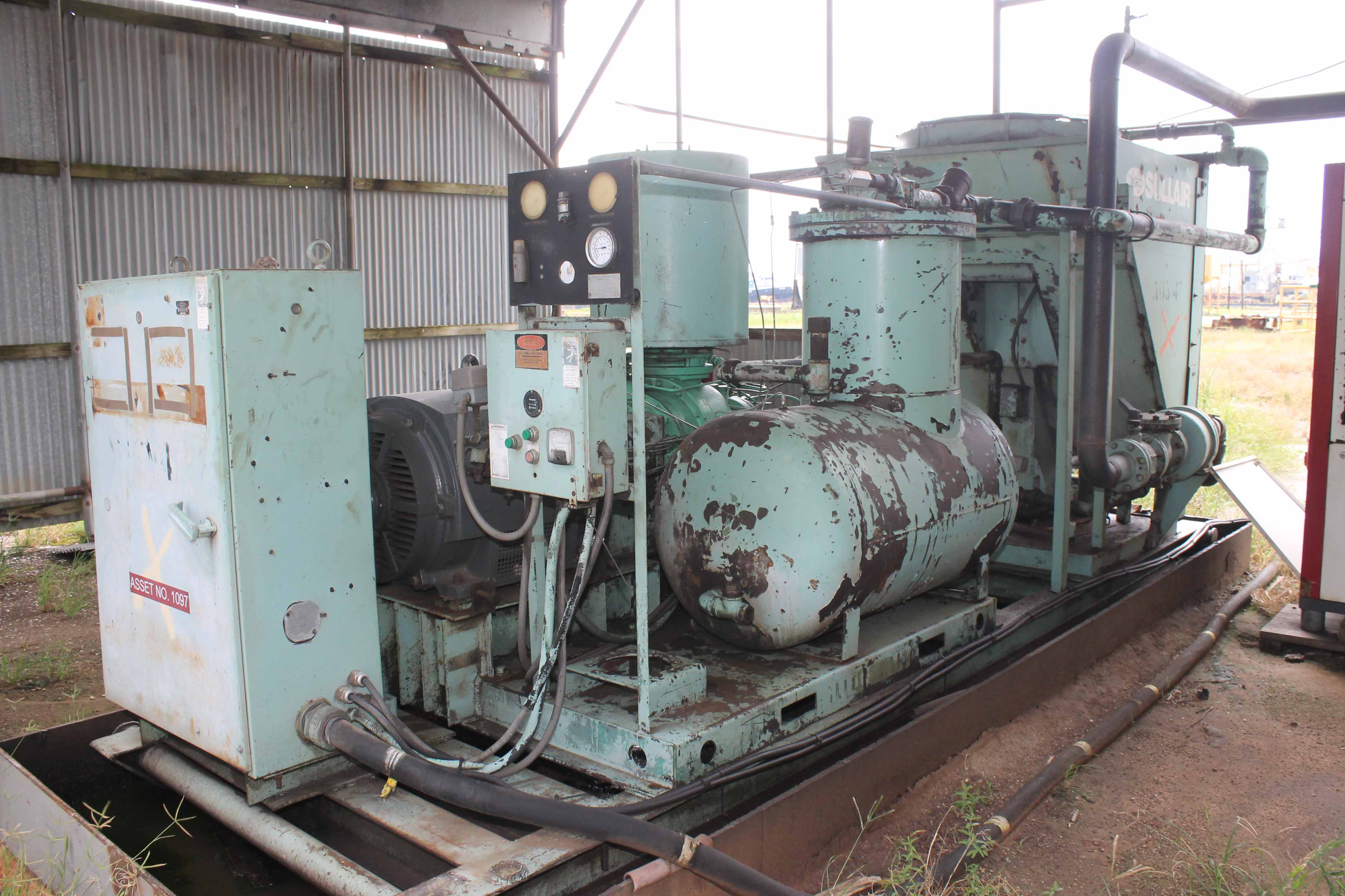 Lot 25 - Air Compressor, Sullair, rotary screw type, 300 HP motor replaced 6 months ago, skid mounted, air