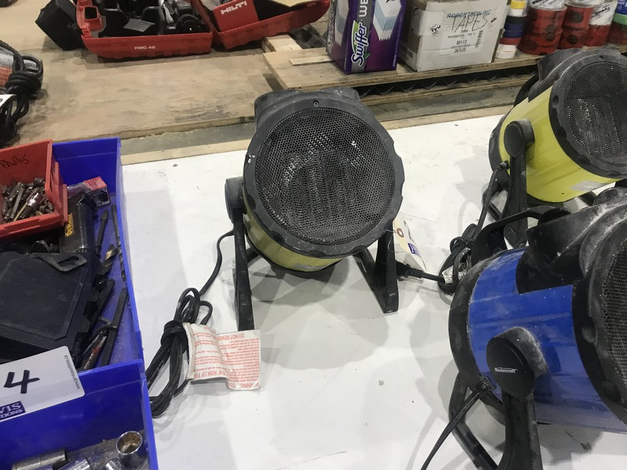 Lot 25 - CERAMIC HEATER