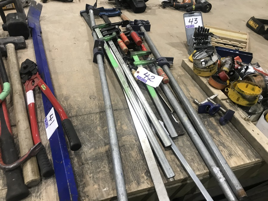 Lot 42 - PIPE & BAR CLAMPS