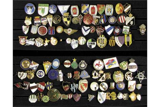 International football club pins - Approximately 80 football